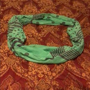 Green /black scarf wrap